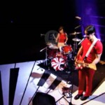 The White Stripes comparte su debut en la tv británica con el tema «Hotel Yorba»